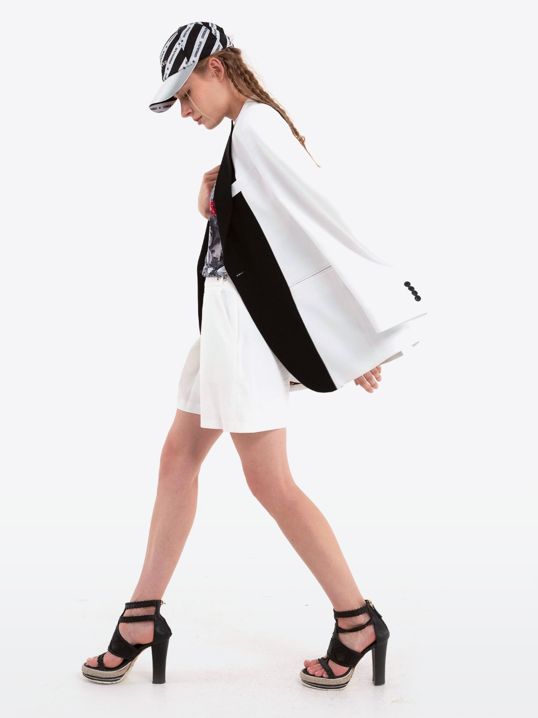 BLACK COMBI WHITE JACKET